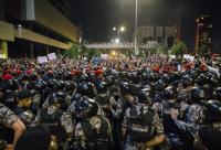 إصابة 5 رجال أمن خلال احتجاجات الرابع