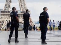 فرنسا تعلن إمكانية فرض حالة الطوارئ في باريس