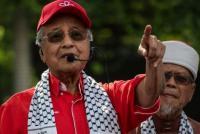 """""""اسرائيل"""" تتهم مهاتير محمد بمعاداة السامية وتندد بموقفه"""
