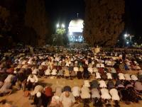 80 ألفا يصلون التراويح بالأقصى المبارك (صور)