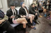 مئات الركاب بلا سراويل في مترو الأنفاق