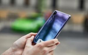 لون خيالي يعكس المواصفات الهائلة P20 Pro من Huawei تجسيد للخيال