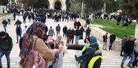 50 ألف مصلّ يؤدون الجمعة في الأقصى