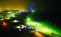 بالفيديو: أول شاطئ عام للسباحة الليلية بالعالم ..  في دولة عربية!
