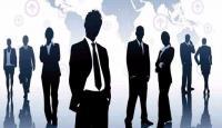 خبراء: تحسين الأداء الوظيفي لا يقتصر على زيادة الرواتب والمكافآت