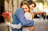 منها تخفيف الوزن ووقاية الأسنان  ..  فوائد قبلة شريك الحياة