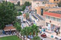 مباراة تجمع نجوم الأردن والعراق بجامعة البترا