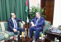 التلهوني يبحث تطوير القضاء مع السفير التونسي