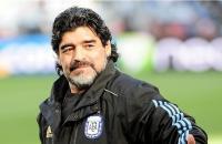 مارادونا يساند منتخب مصر