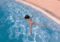 محافظ الزرقاء يغلق مسبح مدينة الأمير محمد