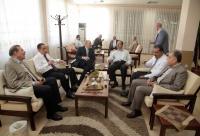 المولا يتبادل تهاني العيد مع أسرة جامعة البترا