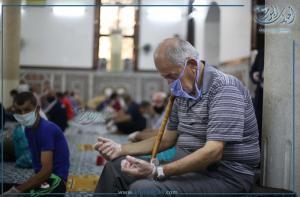 المصلون داخل المساجد بعد غياب أكثر من شهرين