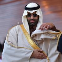 أمير سعودي يثير الجدل: أخرجي ركبتيكِ كي يخجل الليل من سوادها