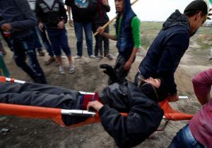 شهيد و115 اصابة بمسيرات العودة على حدود غزة