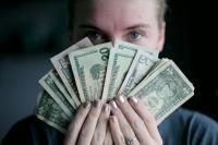 كيف يفكر كل برج في المال؟