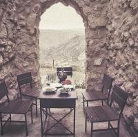بالوثائق  ..   وزارة السياحة تغلق اول نزل ريفي في الاْردن