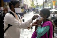 الهند  ..  أسرع طريقة للتعقيم من كورونا - فيديو