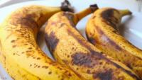 """هذا ما يحدث للجسم عند تناول """"الموز الأسود"""""""