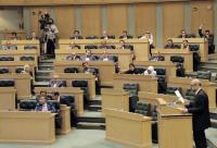 حكومة الرزاز حصلت على ثاني أقل ثقة في آخر أربع حكومات