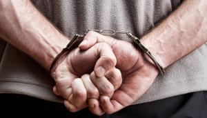 القبض على 3 اشخاص حاولوا سرقة صرافيين آليين في عمان