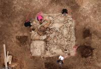 اكتشاف قبر غامض عمره 1500 عام في ألمانيا - صور