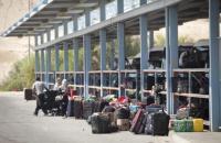 """الاحتلال يمنع 12 فلسطينيا من السفر الى الاردن عبر """"الكرامة"""""""