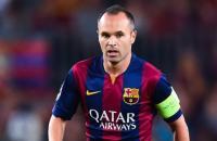 اتصال مُفاجيء من إنييستا بلاعبي ريال مدريد والسبب!