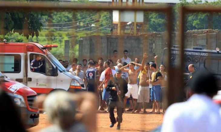 أحداث شغب في سجن بالبرازيل تودي بحياة 15 شخصاً