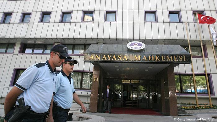 تركيا تحبس جاسوسين لدحلان - صور