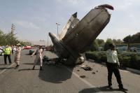 سقوط طائرة ايرانية على متنها 100 مسافر