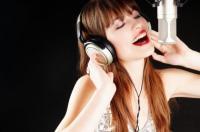 الغناء يقلل الشعور بالضغط النفسي ويقوي الجهاز المناعي
