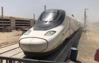 بالفيديو  ..  قطار الحرمين السريع يصل إلى جدة