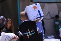 موظفو Orange الأردن يشاركون بتوزيع الطرود الغذائية على الأسر العفيفة