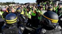 مصرع متظاهرة فرنسية احتجاجا على فرض ضريبة الوقود