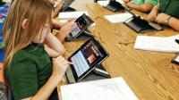 التربية تحدد شروط حصول الطلبة على تابليت - وثيقة