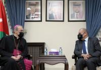 العودات يستقبل بطريرك اللاتين في القدس