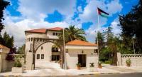 العودات: مذكرة طرد السفير الاسرائيلي على طاولة الحكومة