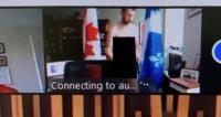 نائب كندي يظهر عاريا في اجتماع عبر الإنترنت