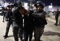الاحتلال يغلق باب العامود ويعتدي على المقدسيين