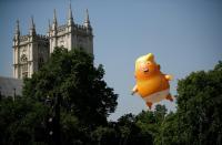 بالون ساخر  من ترامب يعرض في لندن
