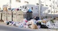 الحبس و غرامة تصل إلى ألف دينار لكل من يلقي النفايات عشوائيا