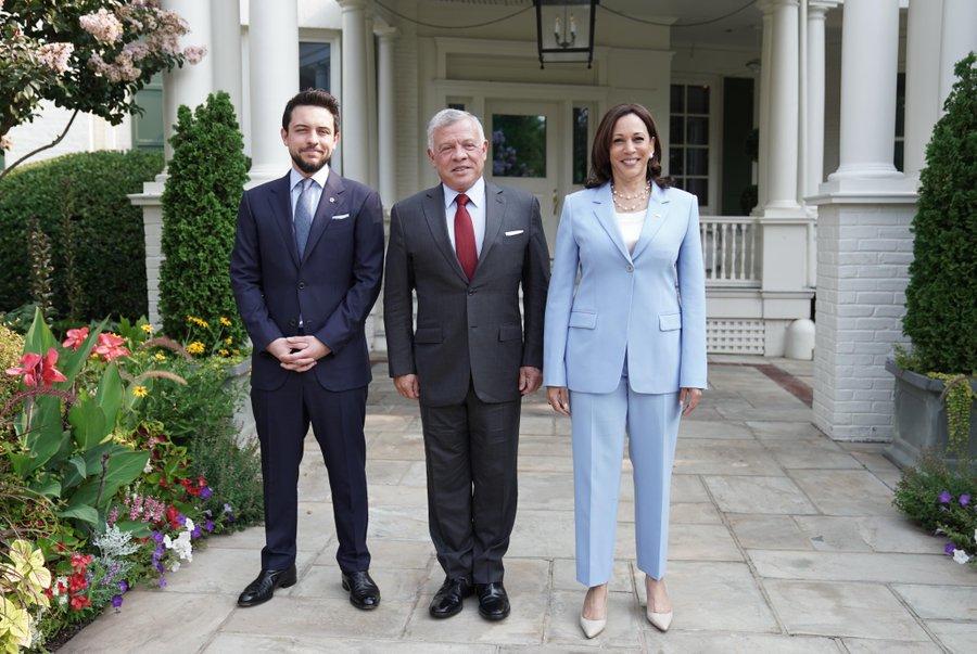 الملك يلتقي نائبة الرئيس الأمريكي كامالا هاريس