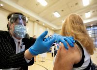 كندا تعلن تطعيم 22 % من سكانها