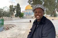 لأكثر من عامين ..  افريقي يمشي من كيب تاون إلى القدس
