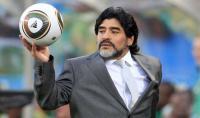 مارادونا يحتفل بميلاده الستين