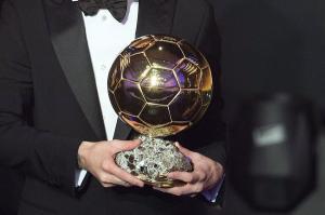 لغة الأرقام تجيب ..  من يحقق جائزة الكرة الذهبية في 2021؟