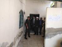 الخلايلة يوجه بسرعة صيانة المسجد المحترق