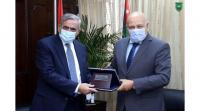 اتحاد الجامعات العربية يبحث مع الاردنية تعزيز العلاقات الاكاديمية