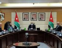 الخصاونة يلتقي مجلس نقباء النقابات المهنية